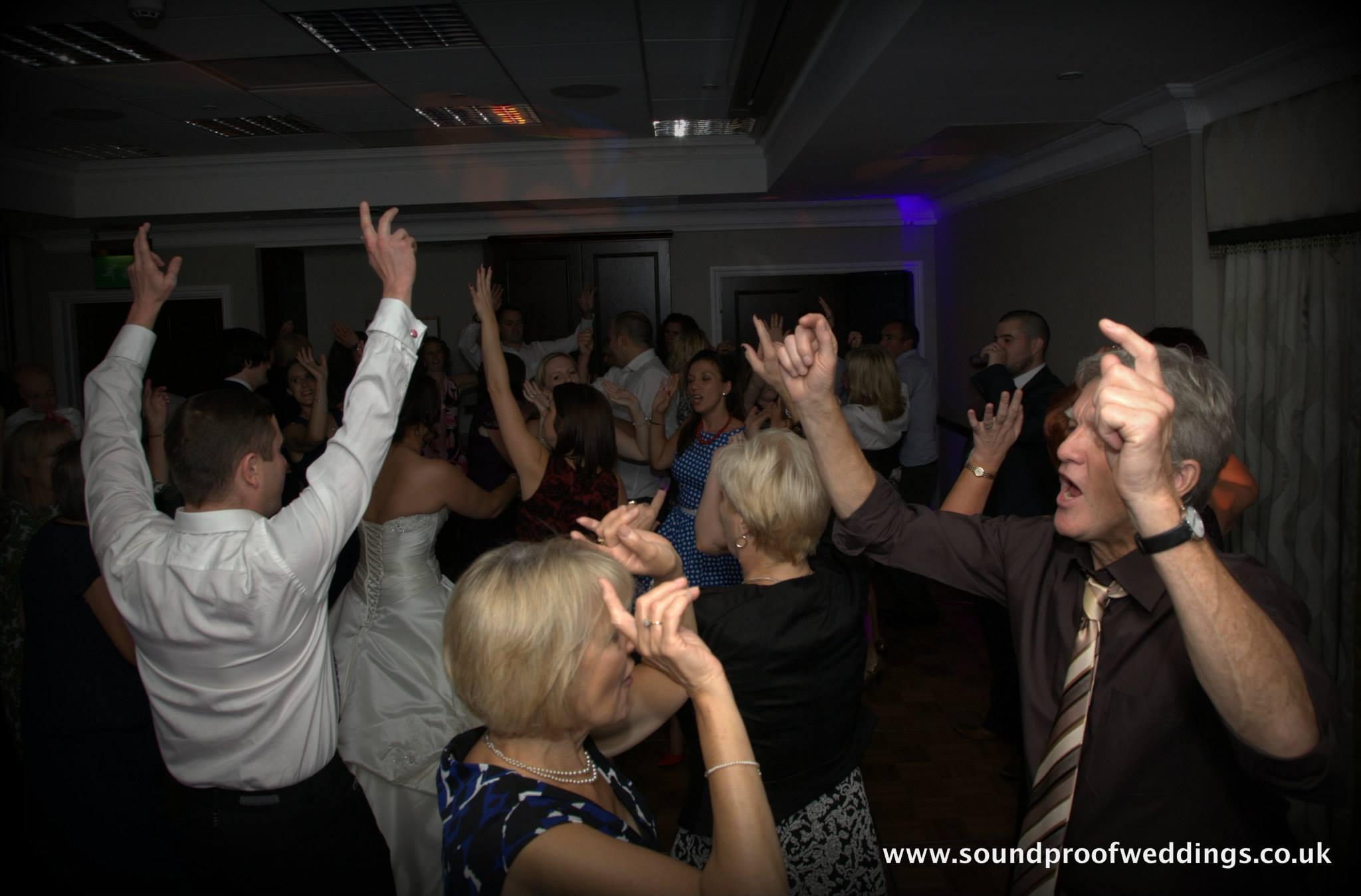 Gemma & Philip – St Annes Manor Hilton – Wokingham, Berkshire, 28/9/2013